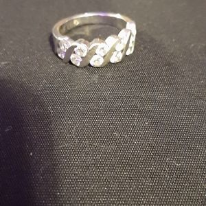 Leo Diamond ring